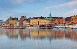 在老镇的看法在黎明 斯德哥尔摩 瑞典 免版税库存照片