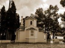 在老鼠海岛上的教堂在科孚岛希腊海岛上  库存照片