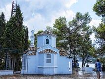 在老鼠海岛上的教堂在科孚岛希腊海岛上  免版税库存图片