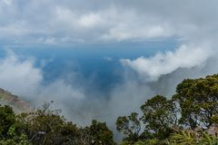 在考艾岛,夏威夷的美好的Kalalau监视远景 库存照片
