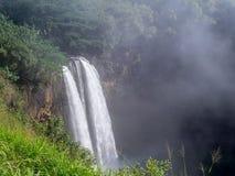 在考艾岛,夏威夷的Wailua瀑布 免版税图库摄影