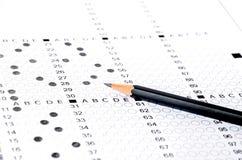 在考试的黑铅笔 免版税库存图片