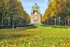 在耶稣圣心附近,布鲁塞尔大教堂的Elisabeth公园  库存照片