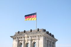 在联邦议会的德国旗子 库存照片