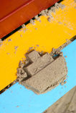 在聪慧的委员会的沙子小船 图库摄影