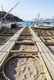 在肋前缘Brava,卡塔龙尼亚,西班牙的渔船 免版税库存照片