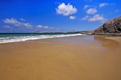 在肋前缘Papagayo的兰萨罗特岛Playa del Pozo海滩 免版税库存图片