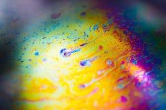 在肥皂泡沫的美好的荧光的抽象 库存照片