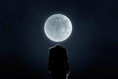 在肩膀的月亮 免版税库存图片