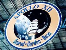 在肯尼迪航天中心的阿波罗象征 库存照片