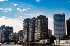 在背景的大厦在开罗,埃及 免版税库存图片