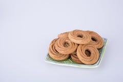 在背景的曲奇饼或圆环饼干 库存图片