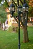 在背景草坪的装饰的街灯在保加利亚 图库摄影