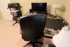 在背景里面的一个家庭办公室 免版税图库摄影
