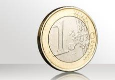 在背景隔绝的1枚欧洲硬币 库存图片