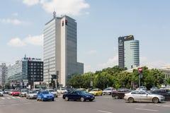 在胜利广场的高峰时间交通 免版税库存图片