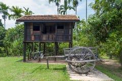 在胡志明` s纪念房子里面的米谷仓在泰国越南友谊村庄, Nakhon帕侬,泰国 免版税库存照片