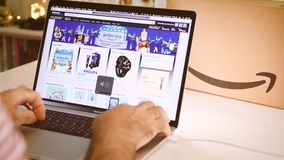 在膝上型计算机成交时间间隔的亚马逊英国头等天人购物 股票录像
