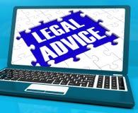 在膝上型计算机的法律建议显示刑事司法 库存例证