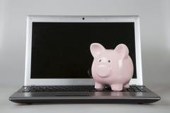 在膝上型计算机的贪心bak它黑屏 免版税库存图片