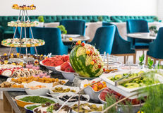 在自助餐的点心在五星旅馆的餐馆在Kranevo,保加利亚 库存照片