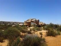 在自然保护-南部非洲的干旱台地高原的岩层 库存图片