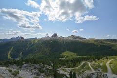 在自然公园白云岩的Falzarego通行证,意大利国家 库存照片