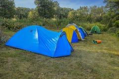 在自然的野营的帐篷 库存照片