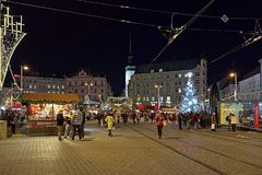 在自由正方形的圣诞节市场在布尔诺,捷克 库存照片