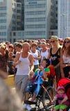在自行车的堤在游行斯德哥尔摩自豪感7月31日-威严5日2012年 免版税图库摄影