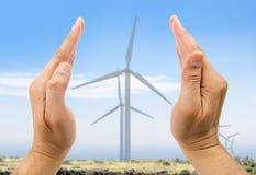 在自行车运河eco能源环境友好平均值次幂保护可延续的岗位运输风之上 免版税库存图片