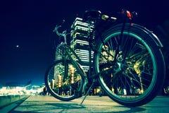 在自行车道路的一辆自行车在巴塞罗那 免版税库存照片