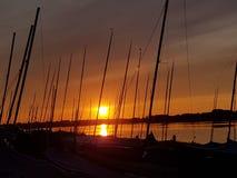 在航行俱乐部的日落 库存照片