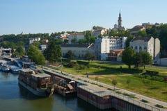 在船坞和老市的看法贝尔格莱德 图库摄影