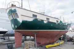 在船坞的小船绘画的 库存照片
