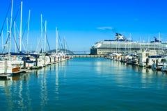 在船坞的小船 免版税库存照片