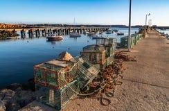 在船坞的渔夫捕鱼网 免版税库存图片