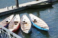 在船坞的龙小船 免版税库存图片