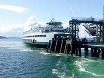在船坞的Bainbridge轮渡 库存图片