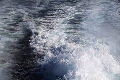 在船水之后 免版税图库摄影