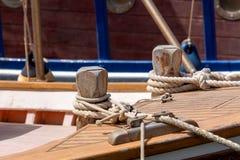在船的停泊绳索 库存照片