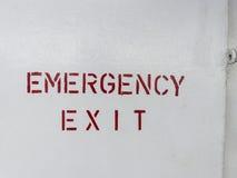 在船的紧急出口路标 免版税库存图片