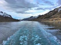在船以后的苏醒在Lofoten/Vesteralen 图库摄影