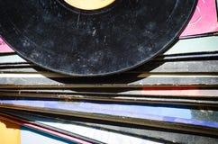 在色的背景的唱片 免版税库存图片