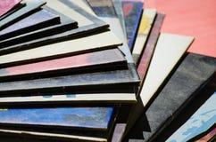 在色的背景的唱片 库存图片