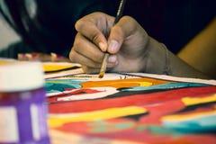 在艺术课的绘画 免版税库存图片