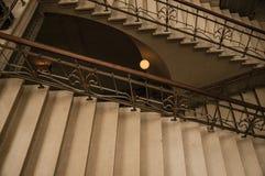 在艺术Nouveau样式的石头和铁楼梯在布鲁塞尔 库存图片