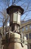 在艺术Nouveau样式的装饰的街灯在Kamennoostrovsky Prospekt在圣彼德堡,俄罗斯 免版税库存图片