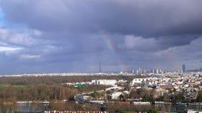 在艾菲尔铁塔的彩虹,巴黎,法国 股票视频