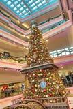 在节日步行购物中心的圣诞树在九龙塘2018年 库存照片